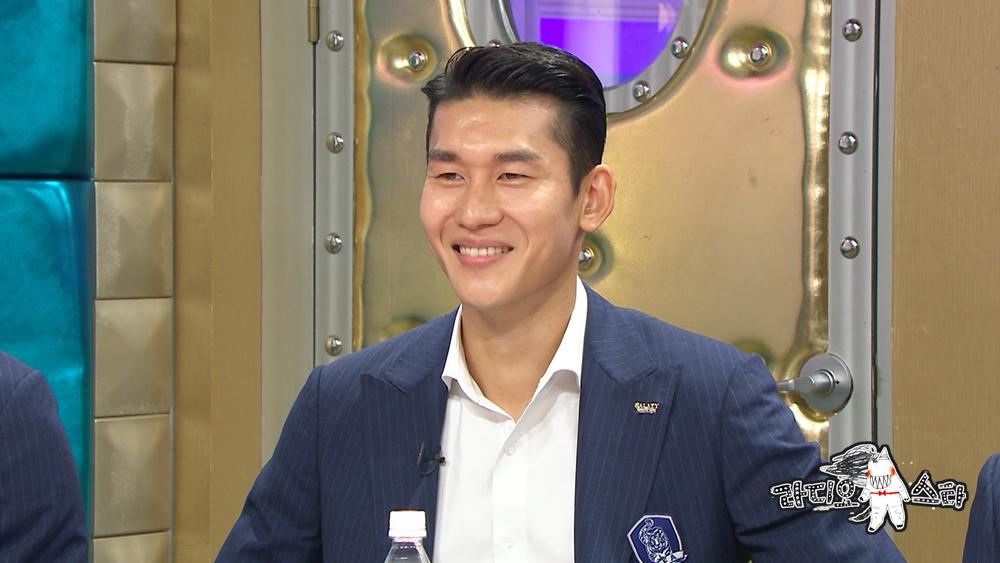 """'라디오스타' 이용, '기승전 급소' 대폭소 """"걱정 NO, 튼튼합니다"""""""