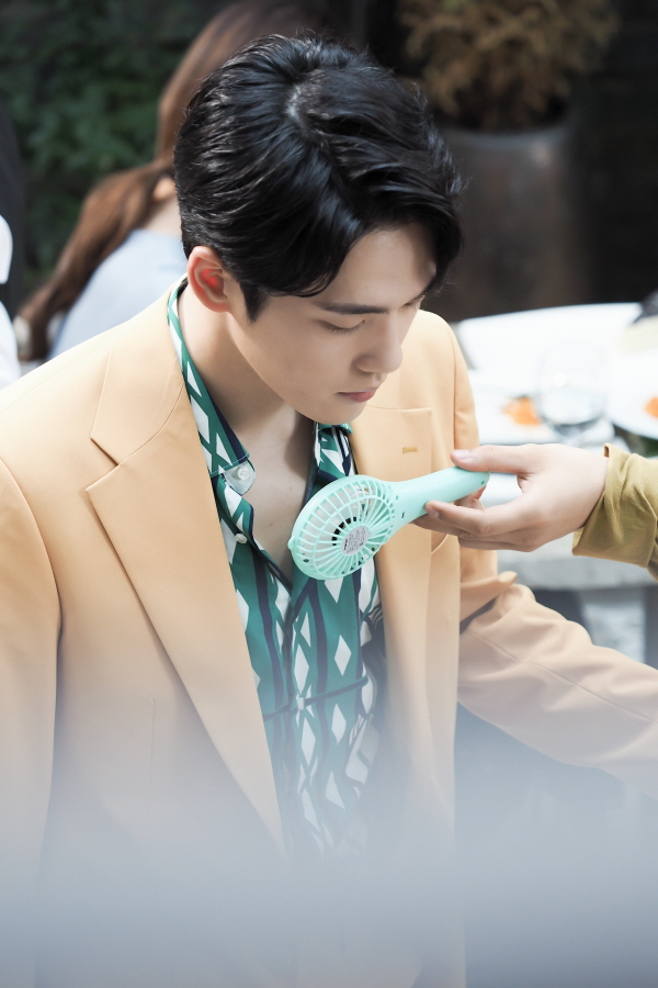 '시간' 더위 잊은 김정현-서현-김준한-황승언, 촬영장 비하인드 컷 공개