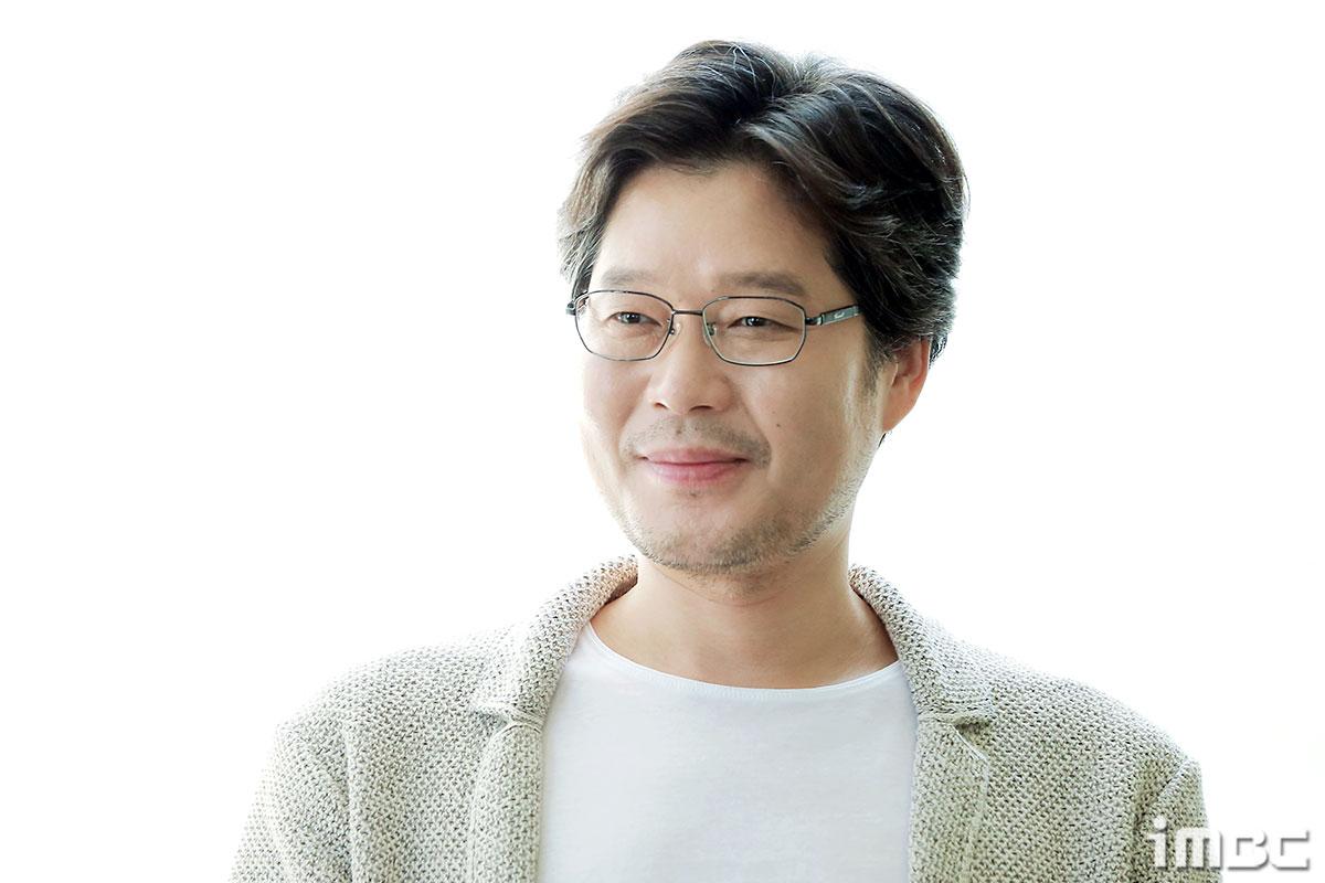 """[人스타] 유재명 """"좋은 작품에서 좋은 연기를 한 배우로 남고 싶다"""""""