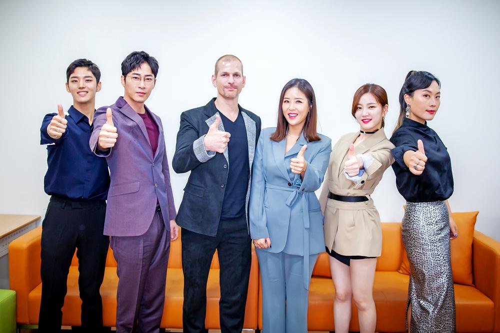 '진짜사나이300' 오늘 첫 방송! 강지환-홍석-이유비 등 본방사수 요청 컷 공개
