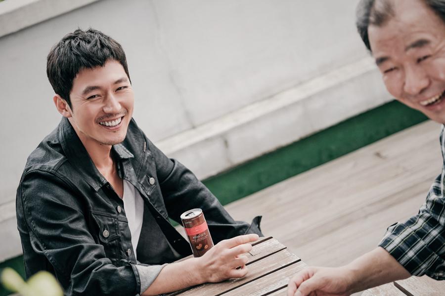 '배드파파' 장혁, '순둥이 미소' 포착! 웃음 가득한 촬영현장