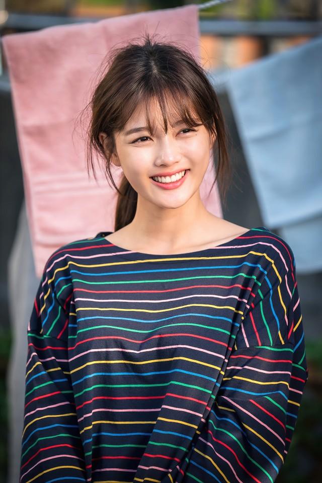 '일단 뜨겁게 청소하라' 김유정, 캐릭터컷 드디어 첫 공개! '만찢 비주얼'