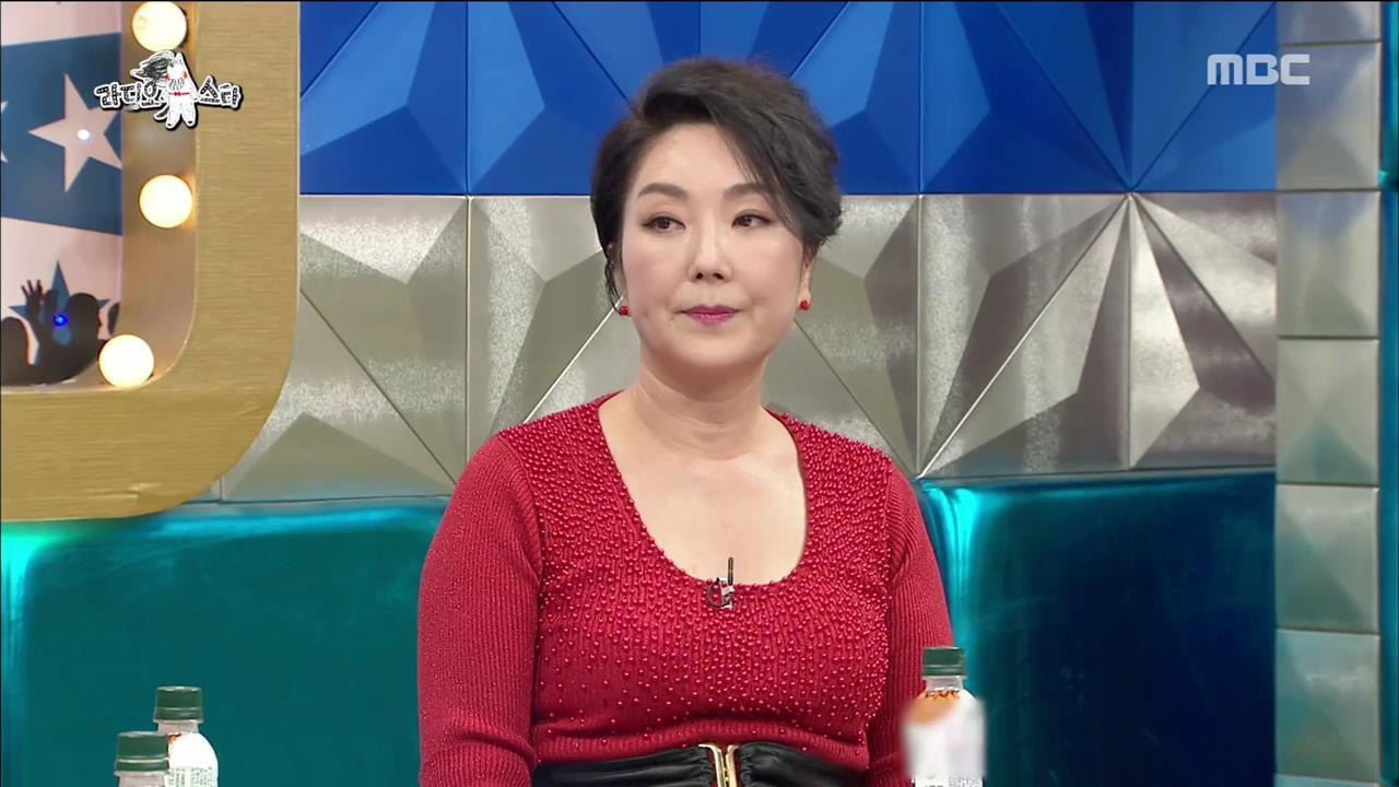 """'라디오스타' 이휘향, '천국의 계단' 비하인드 공개 """"밥상 엎는 신 애드리브"""""""