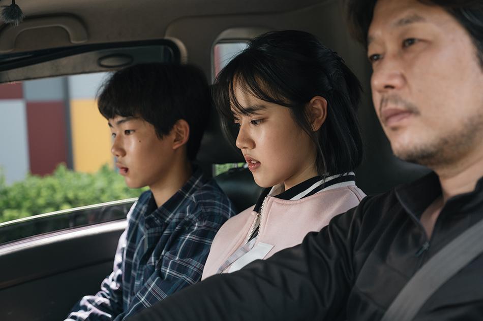 [애프터스크리닝] 연기 모범생들의 정직한 직구 '영주' ★★★