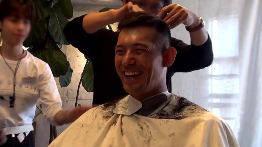 '진짜사나이300' 오지호-감스트-홍석-산다라박-주이, 셀프 반삭부터 흑발 염색까지 입대 준비 중