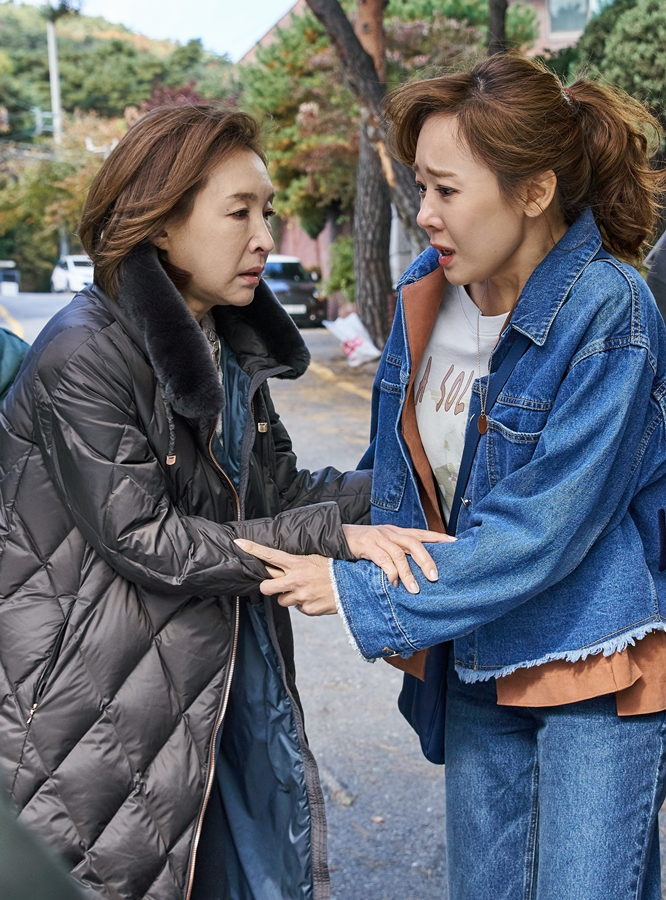 '내 사랑 치유기' 소유진-정애리, '풍전등화 구출 샷'으로 궁금증 증폭!