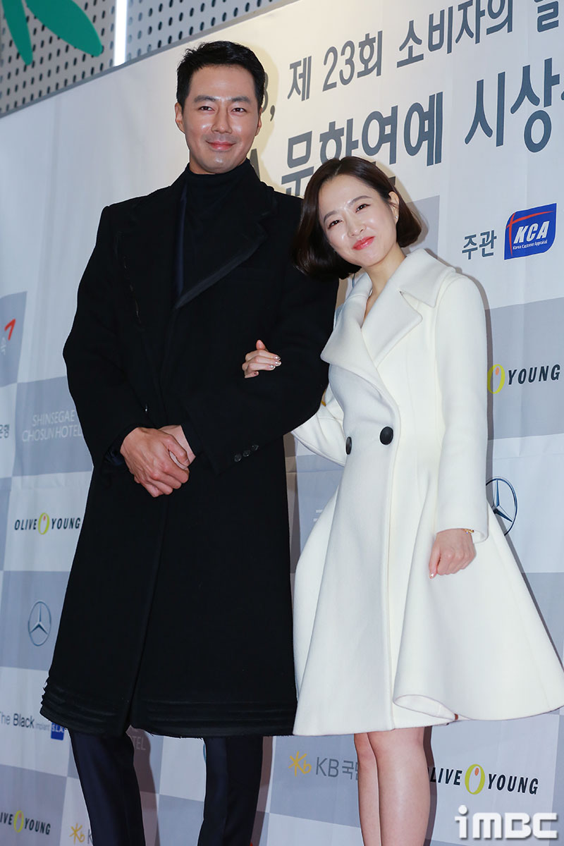 [포토] 조인성-박보영, 남매같은 팔짱