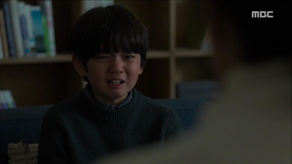 """'붉은 달 푸른 해' 김선아, 父 거짓말로 누명 쓴 '아동학대 피해자' 김강훈 위로…""""너 나쁜 아이 아냐"""""""
