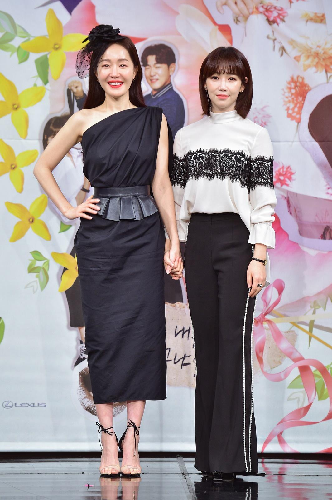 [TV톡] 이유리X엄지원의 2인 4역… 코믹함 입은 두 여자의 성장기 '봄이 오나 봄'