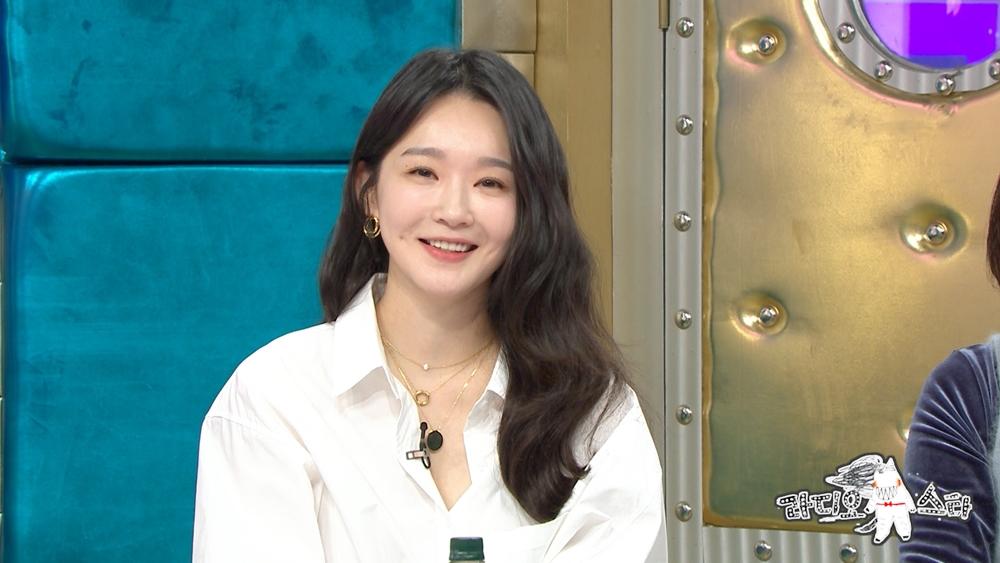 """'라디오스타' 강민경 """"유튜브 구독자 9만 돌파…영상 수익은 0원"""" 이유는?"""