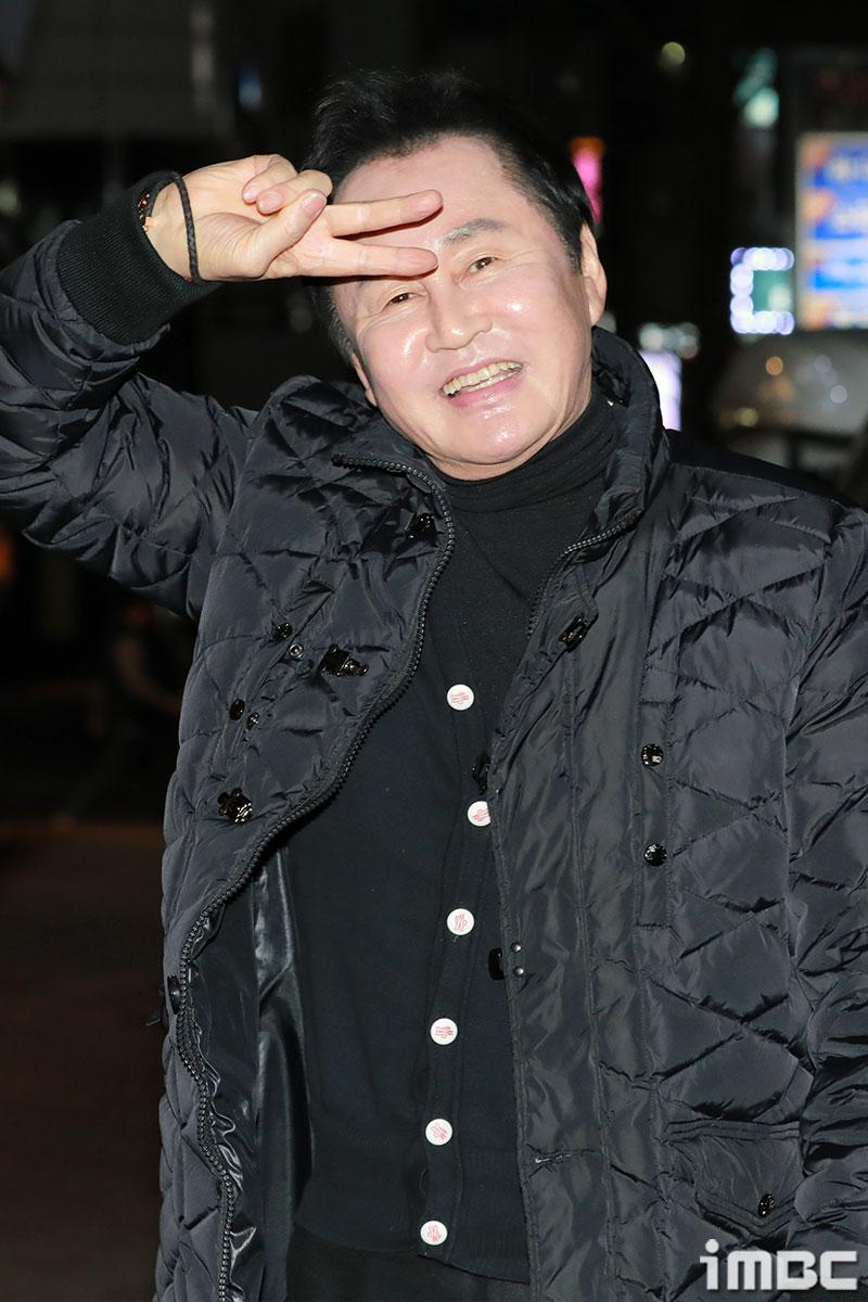 [포토] '아이템' 김병기, 오늘만큼은 환한 미소로~