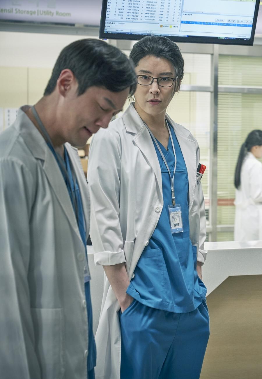 """'검법남녀2' 노민우, 냉철한 응급실 의사로 변신 """"완벽한 장철의 모습"""""""