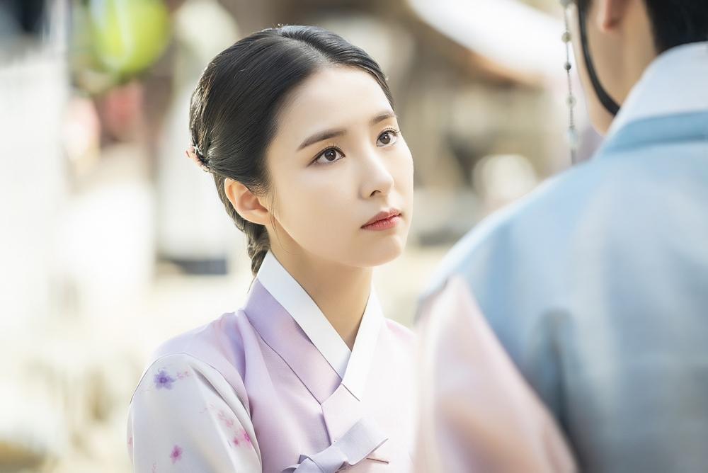 '신입사관 구해령' 신세경-차은우, 짜릿한 첫 만남 포착 '심쿵'