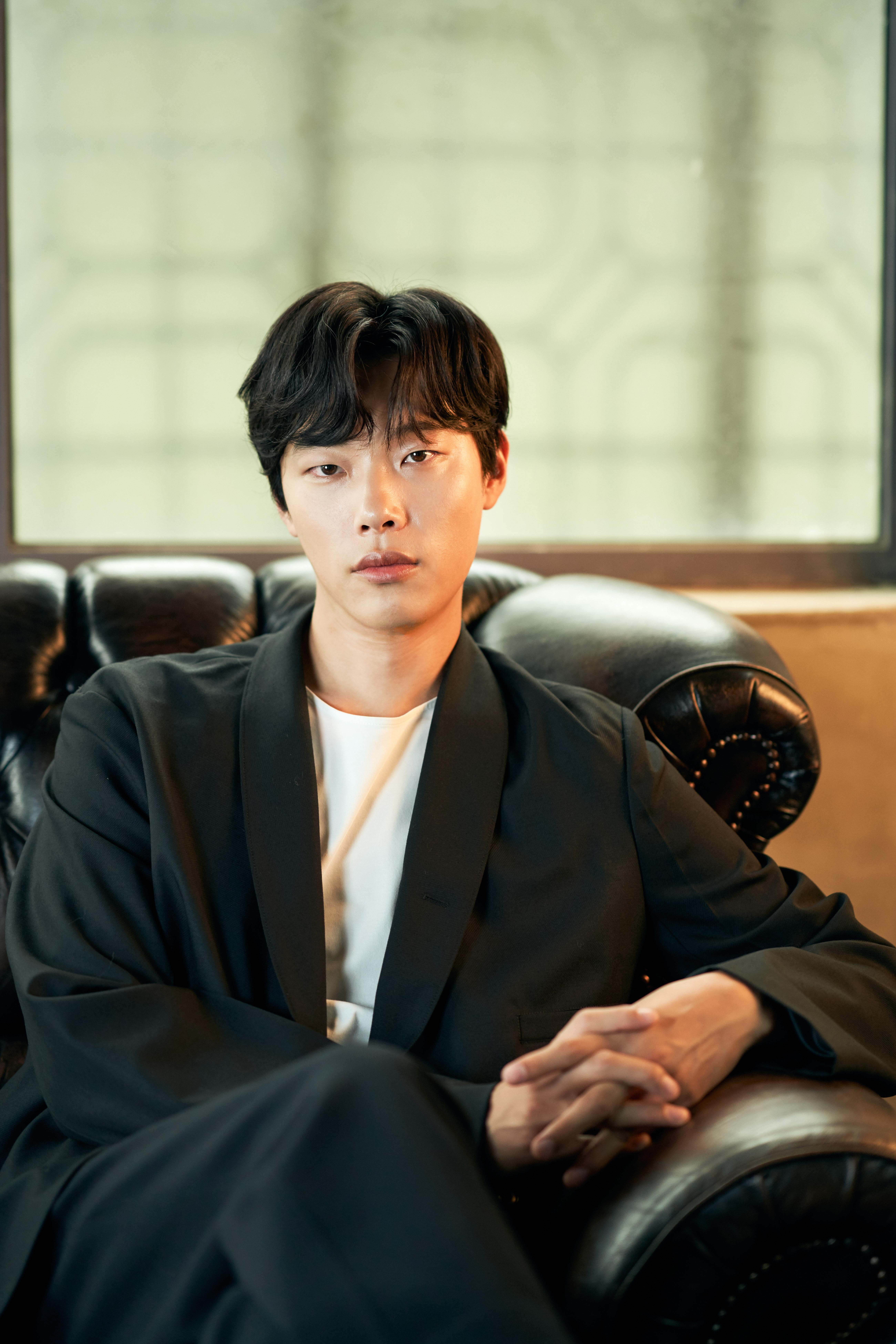 """[人스타] 류준열 """"버킷리스트 중 하나인 전쟁영화, 이번에 소원성취"""""""