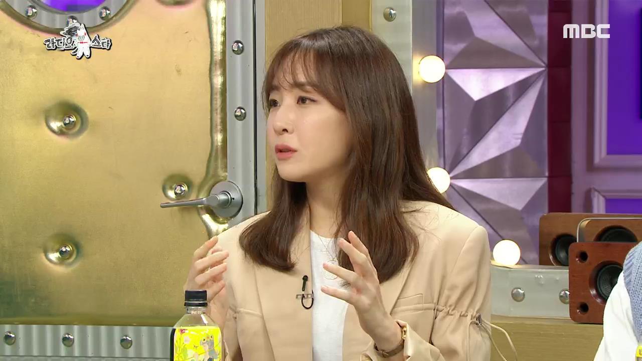 """'라디오스타' 김이나, 안영미 'Y존 댄스'에 """"저분은 정말 저세상 개그를 하는구나"""" 감탄"""