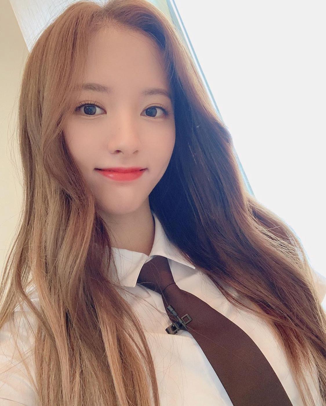 우주소녀 보나, '걸크러쉬' 뽐내는 '수트 패션' 장인! 압도적 수치 1위