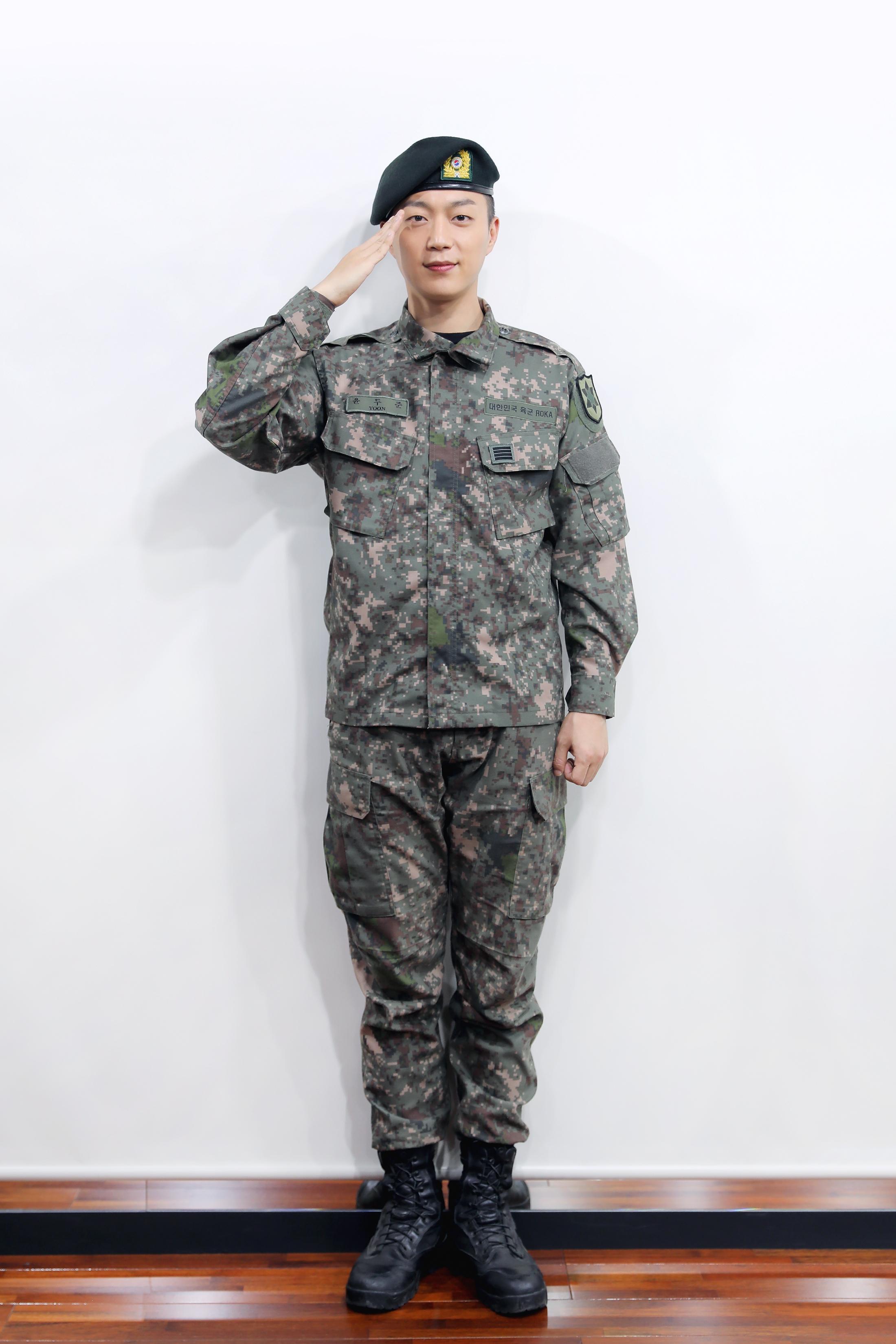 """윤두준, 오늘(10일) 육군 만기 전역… """"다사다난했지만, 정신적 성장할 수 있던 좋은 시간"""""""