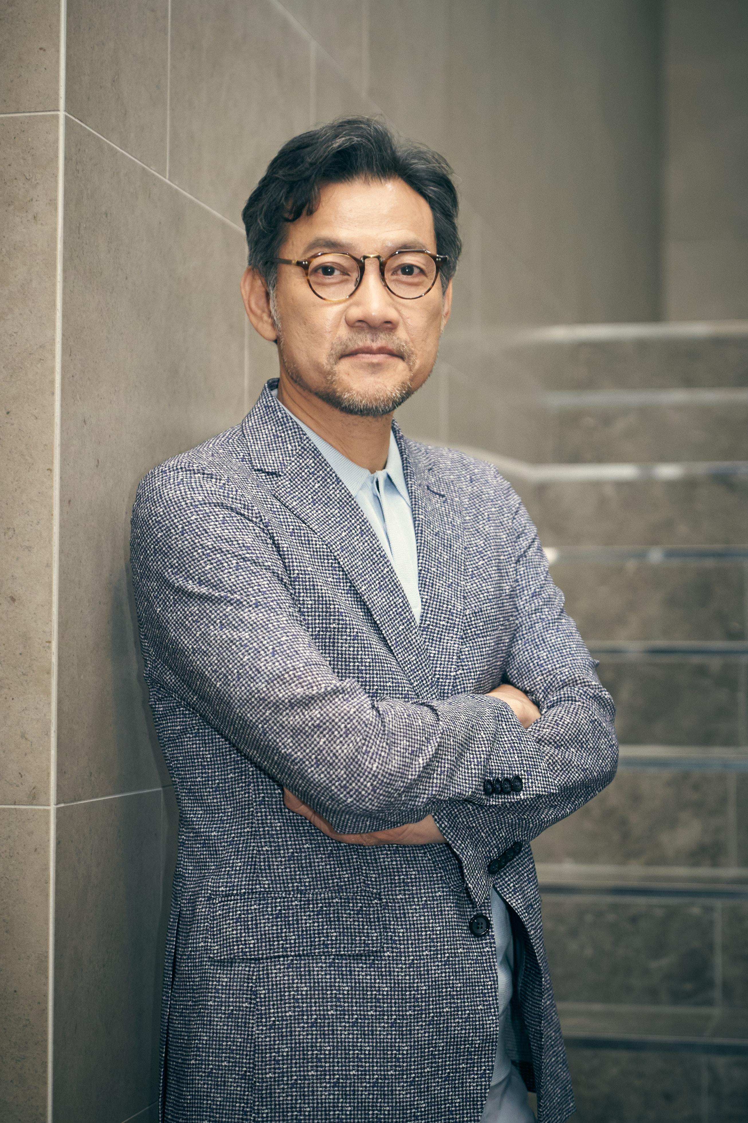 """[人스타] 배우에서 감독으로, 정진영의 새로운 도전 """"'나는 누군가?'에 대한 끊임없는 성찰"""""""