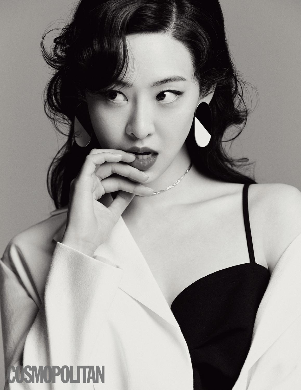 배우 김다솜, 고혹적 비주얼 돋보이는 화보 A컷 공개