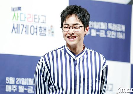 엑소 시우민, '찹쌀떡 아이돌' 1인자 등극… '500만 K팝 팬들의 선택'