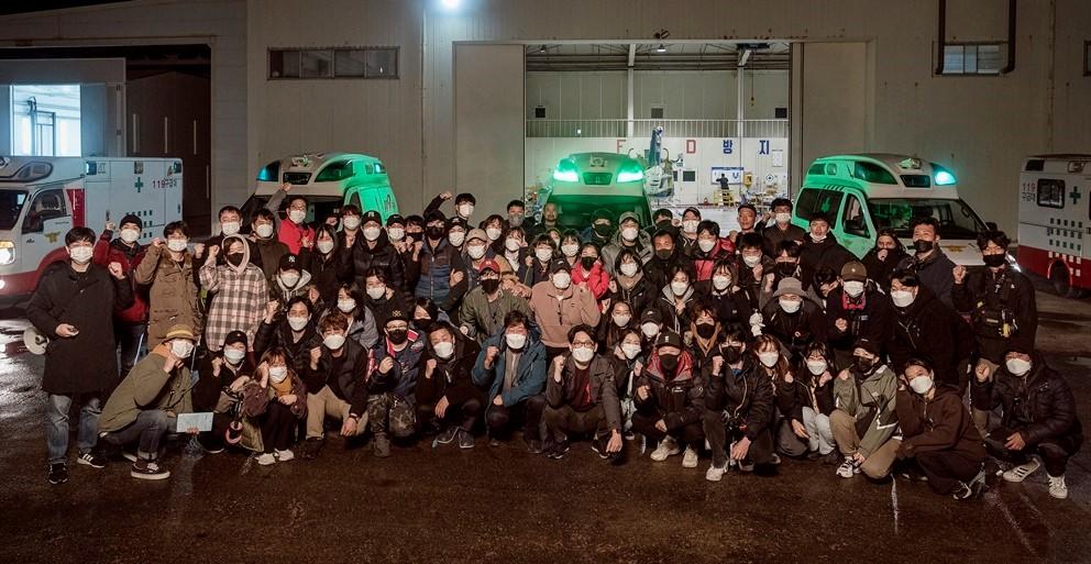 항공 재난 영화 '비상선언' 크랭크업, 송강호-이병헌-전도연으로 압도적 현실감 기대
