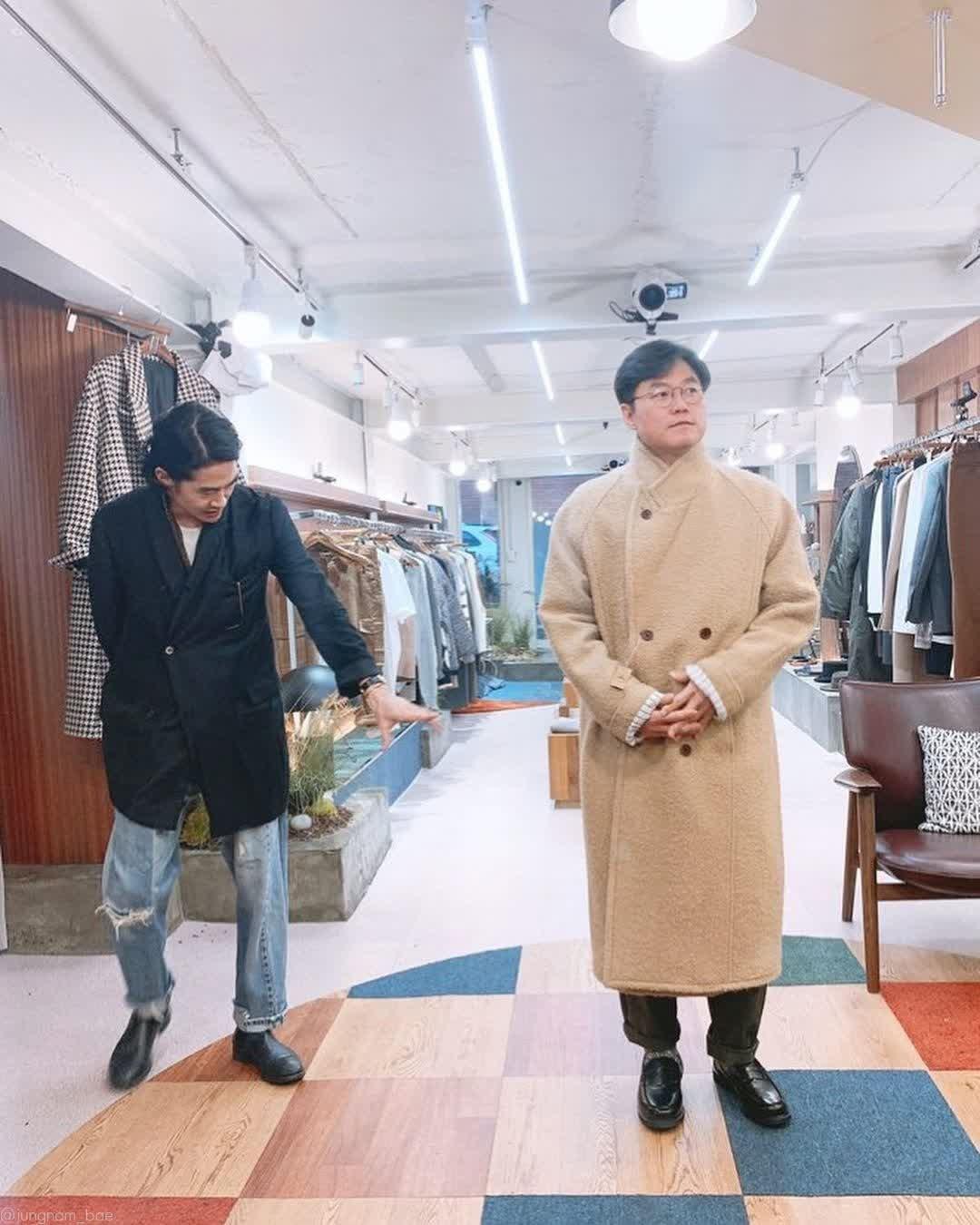 나영석 PD 살빠져서 옷빨 잘 받는 사진 공개 [인스타]
