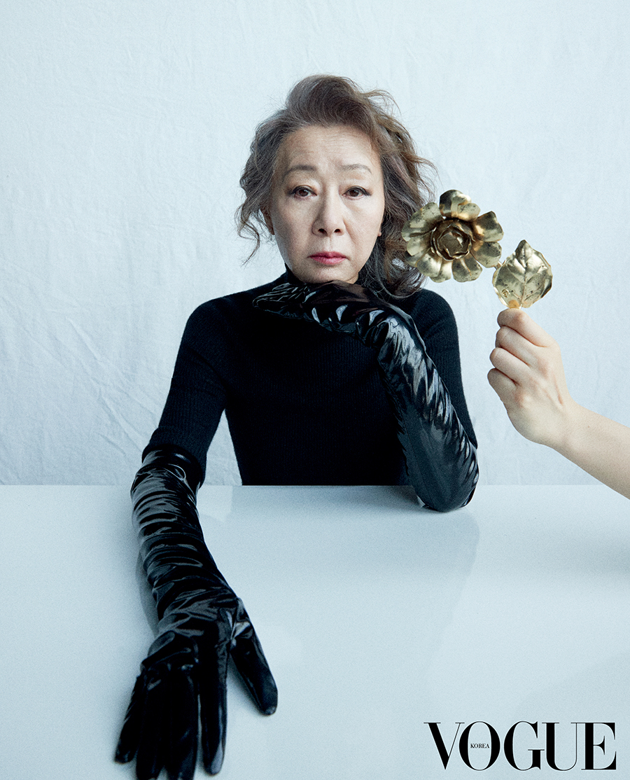 """윤여정, 화보 통해 심경 고백 """"오스카의 오만 들어도 부담"""""""