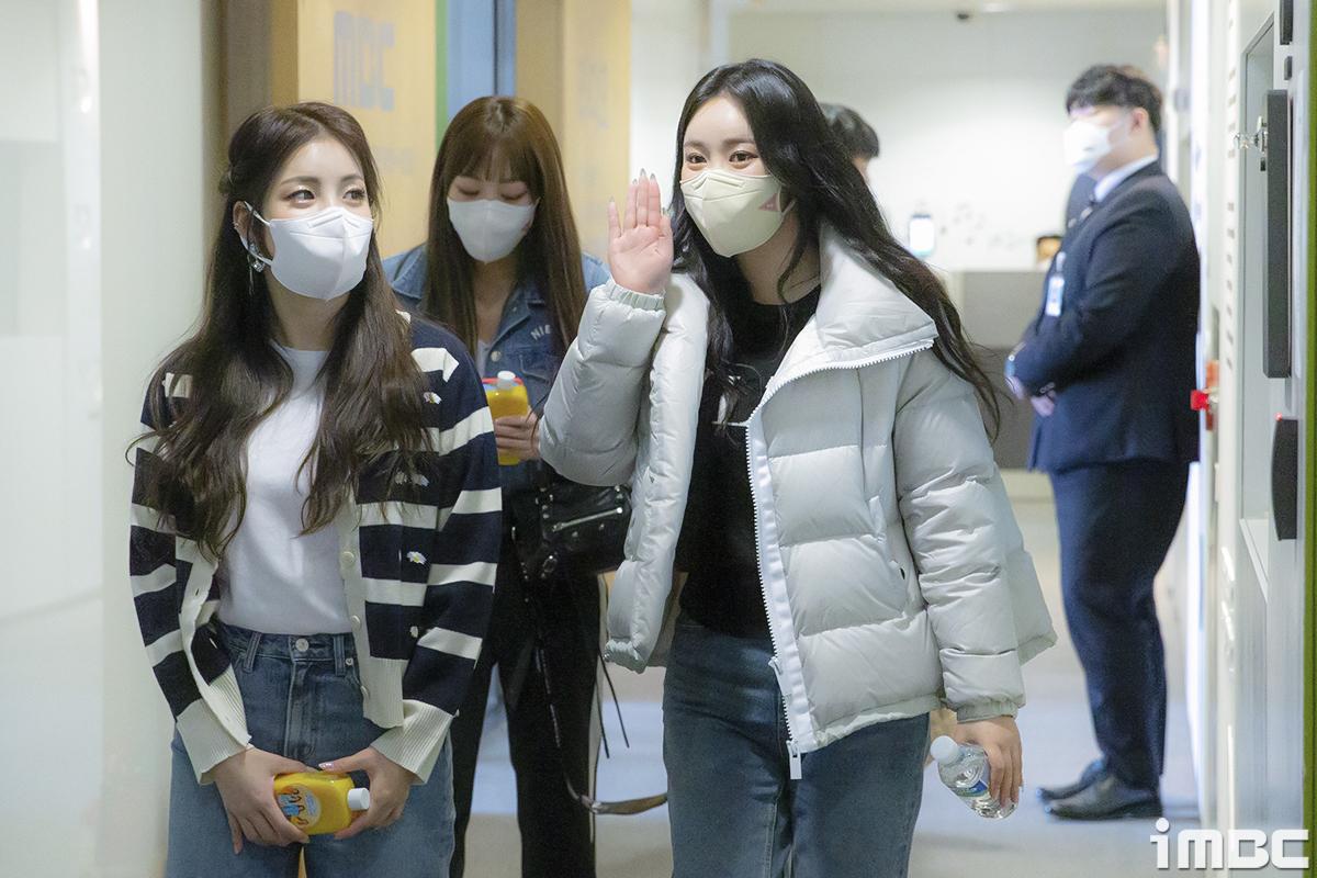 [B하인드] 브레이브걸스, '4인 4색' MBC 라디오 점령기 (정오의 희망곡) ①