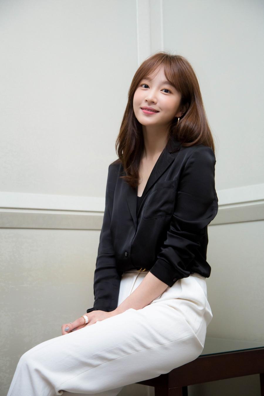 """안희연 """"브레이브걸스 데뷔 선배, 희망의 아이콘 같아 감사해"""" [인터뷰M]"""