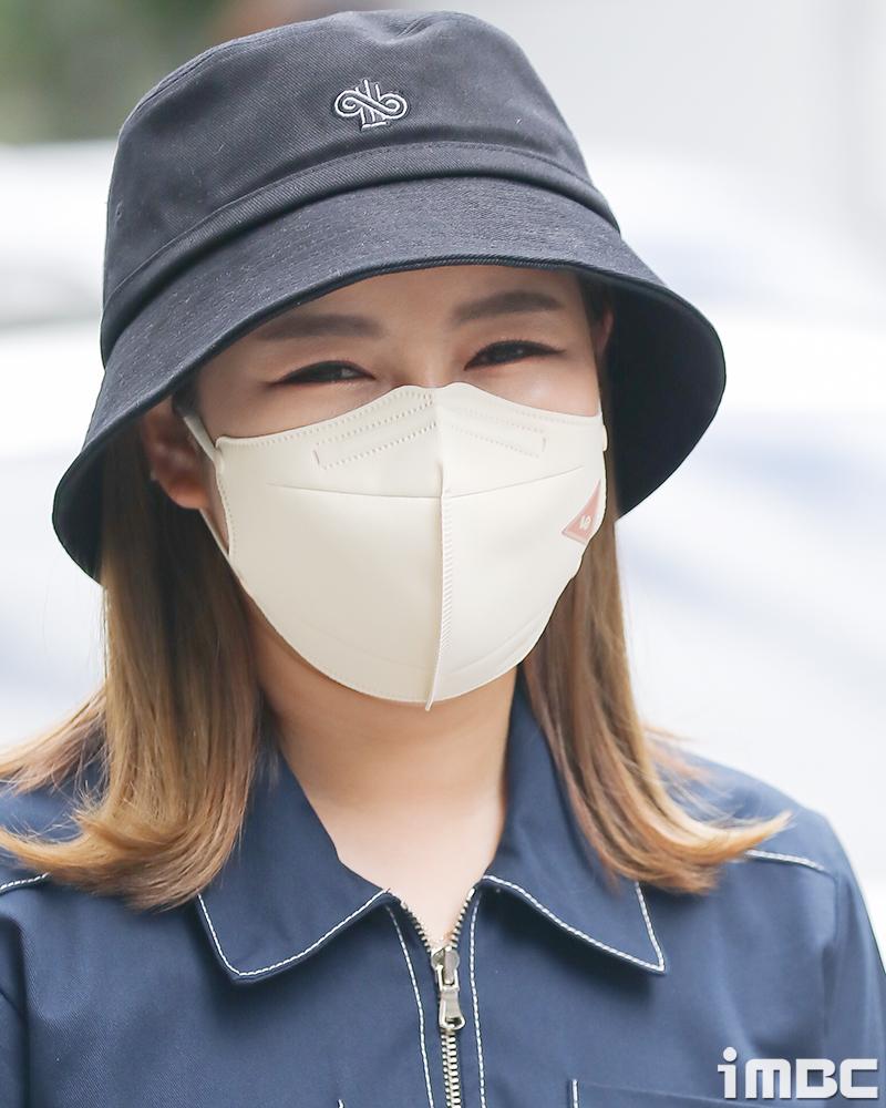 [포토] 송가인, '색맞춤 패션 + 미모' 오늘 올킬이여라~