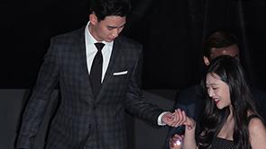 [포토] 김수현, '매너남의 자세' 포착